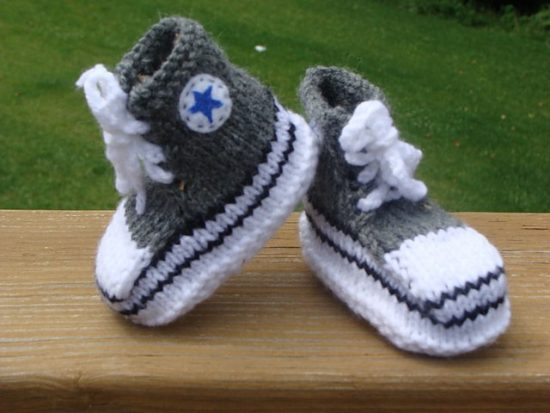 Converse Baby Booties FREE Knitting Pattern