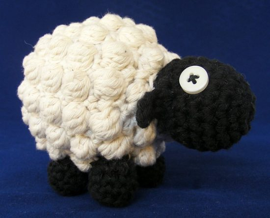 Free Mini Crochet Lamb Pattern - Grace and Yarn | 444x550