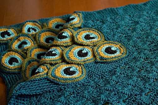 Crochet Peacock Afghan - find free patterns in our post
