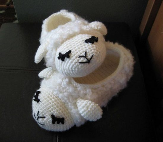 Pudgy Sheep Crochet Slippers FREE pattern