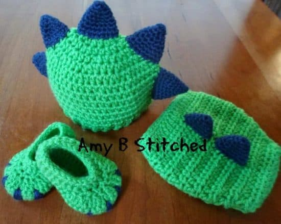 Dinosaur Hat and Diaper Set Free Crochet Patterns