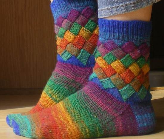 Rainbow Entrelac Socks Free Pattern Easy Video Tutorial