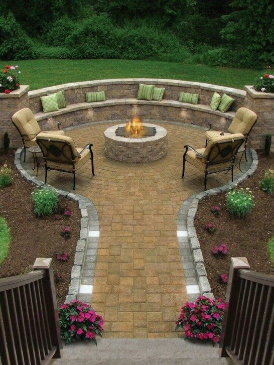Flagstone Fire Pit Patio