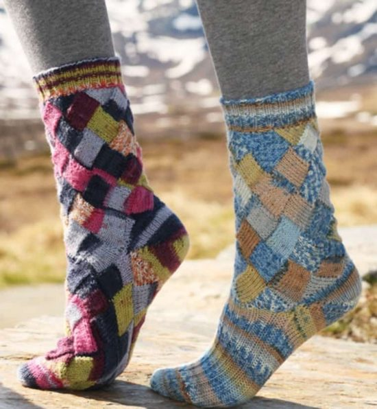 entrelac-knitted-socks-free-pattern