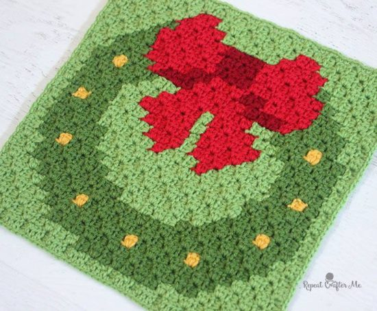 Christmas Crochet Wreath Square FREE Pattern