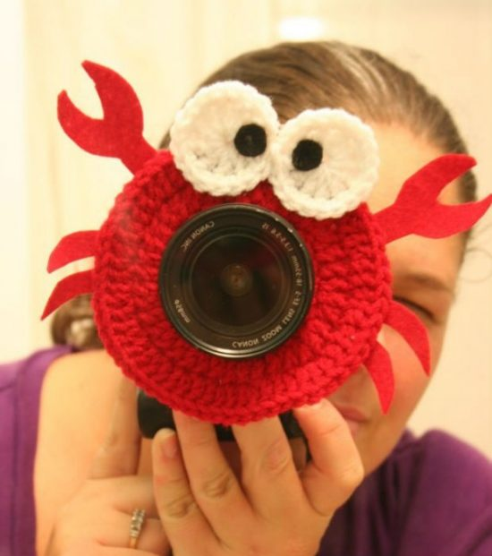 Crochet Crab Lens Buddy