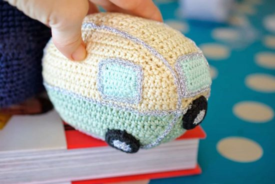 Crochet Mini Vintage Van