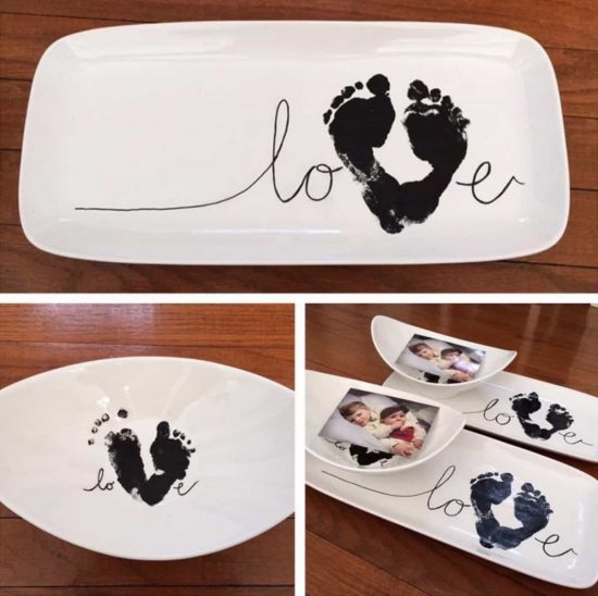 Hand and foot print love sign is super cute the whoot for Handprint ceramic plate ideas