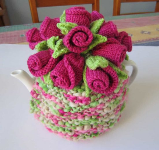 Rose Buds Knitted Tea Cozy Free Pattern