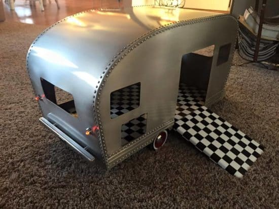 Mini Caravan Dog Kennel