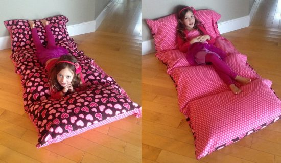 Diy floor pillow bed easy to follow video instructions pillow bed mattress solutioingenieria Gallery