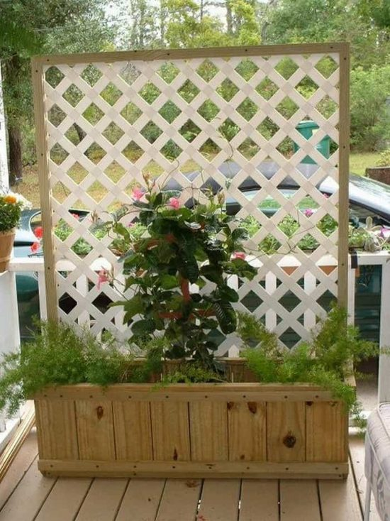 how to build a planter box with privacy screen