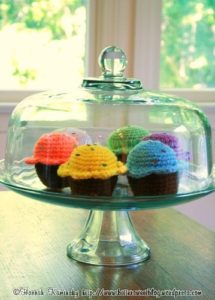 Pincushion Cupcakes Free Knitted Pattern