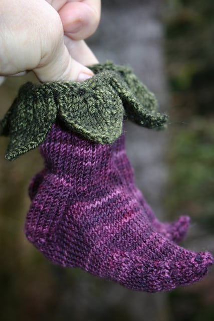 Elvish Knitted Baby Booties Pattern