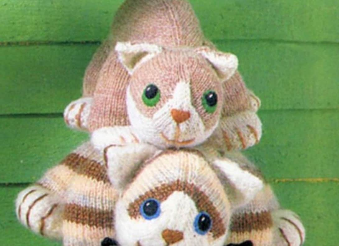 Knitted Cat Pattern : Knitted Cats All The Cutest Free Patterns The WHOot