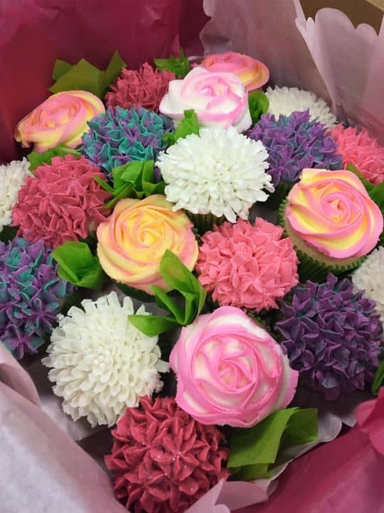 This Cupcake Bouquet From Cakes Decor Features A Myriad Of Gorgeous Effects The Is Combination Hydrangeas Roses And Carnations