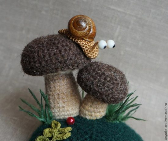 Amigurumi Snail and Toadstool Free Crochet Pattern