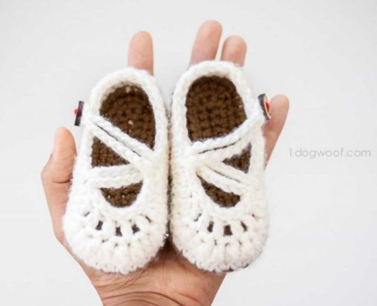 mary-jane-crochet-booties