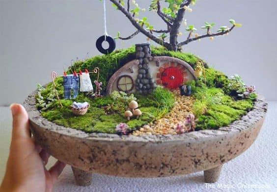 How To Make A Hobbit Hole Fairy Garden | The WHOot