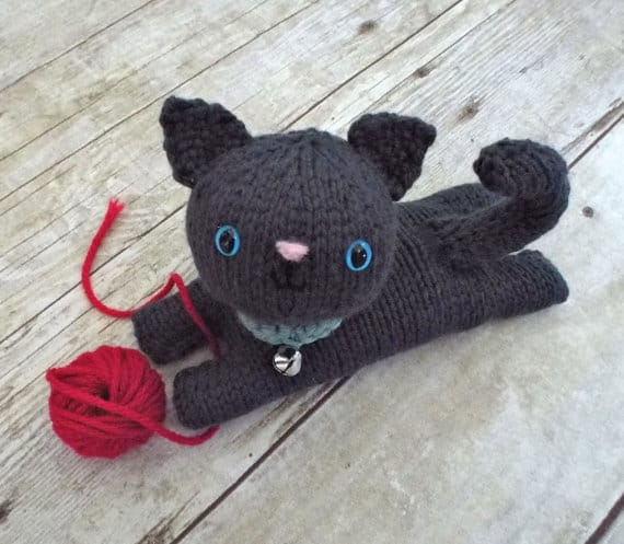 Knitting Kitten : Knitted cats patterns you will love to whip up lots of