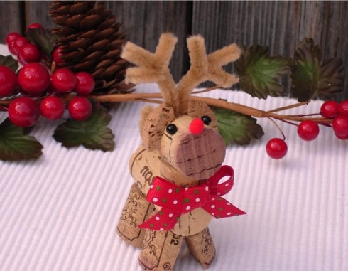wine cork reindeer super cute ideas the whoot. Black Bedroom Furniture Sets. Home Design Ideas