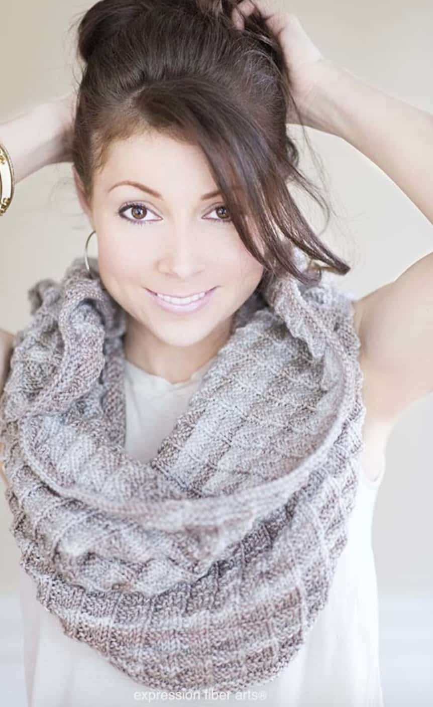 Easy Knit Cowl Free Patterns You'll Love - The WHOot