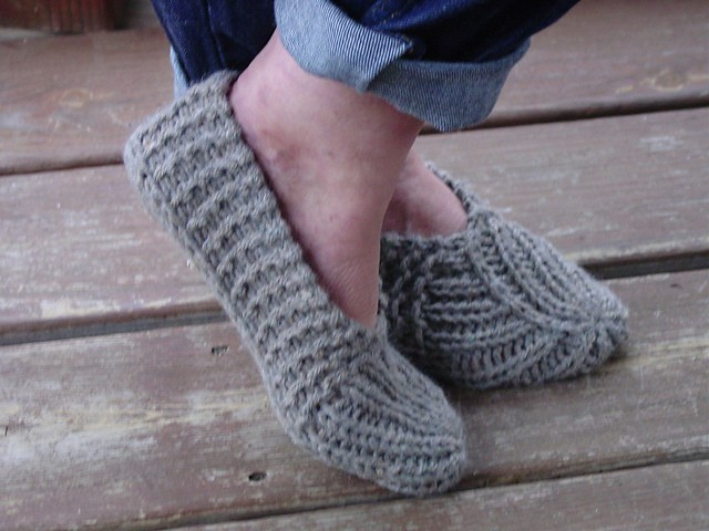 Youll Love These Adorable Knitted Slippers Pattern Ideas The Whoot