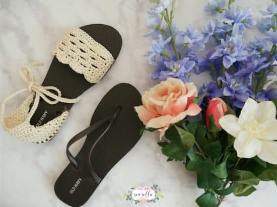 0e0434c9b804 Everyone is loving this simple crochet flip flop sandals pattern and you  will too. They are easy and stylish and comfy to wear …