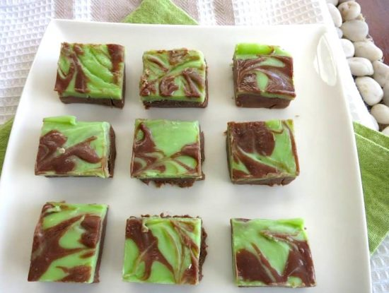 how to make marbled mint chocolate fudge