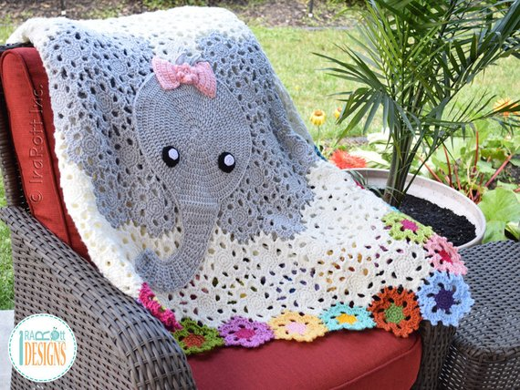 Pink crochet elephant pattern - Amigurumi Today | 428x570