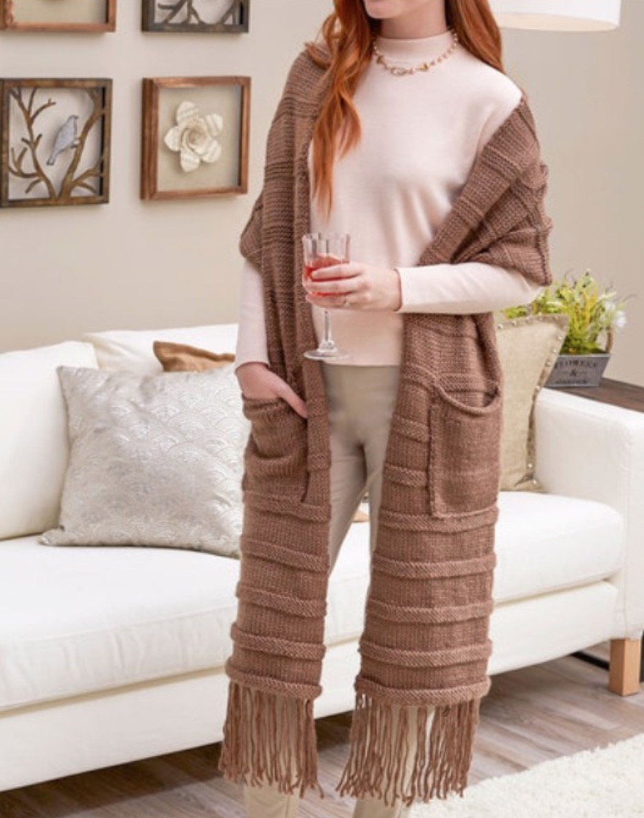 You Ll Love This Free Knitted Scarf With Pockets Pattern The Whoot