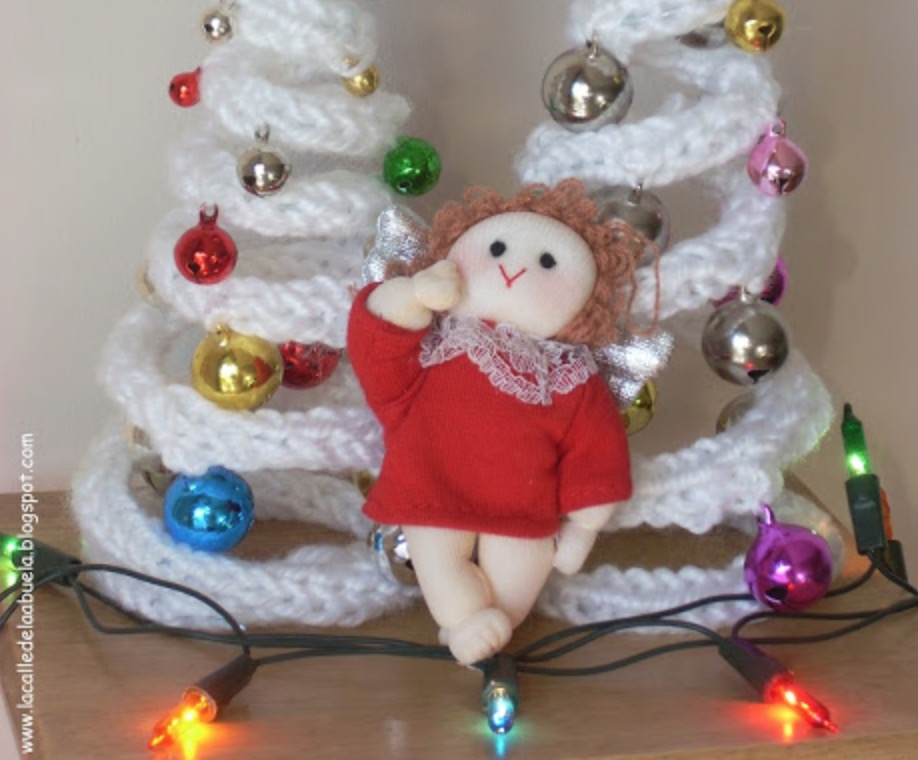French Knitting Christmas Projects You Will Love | The WHOot