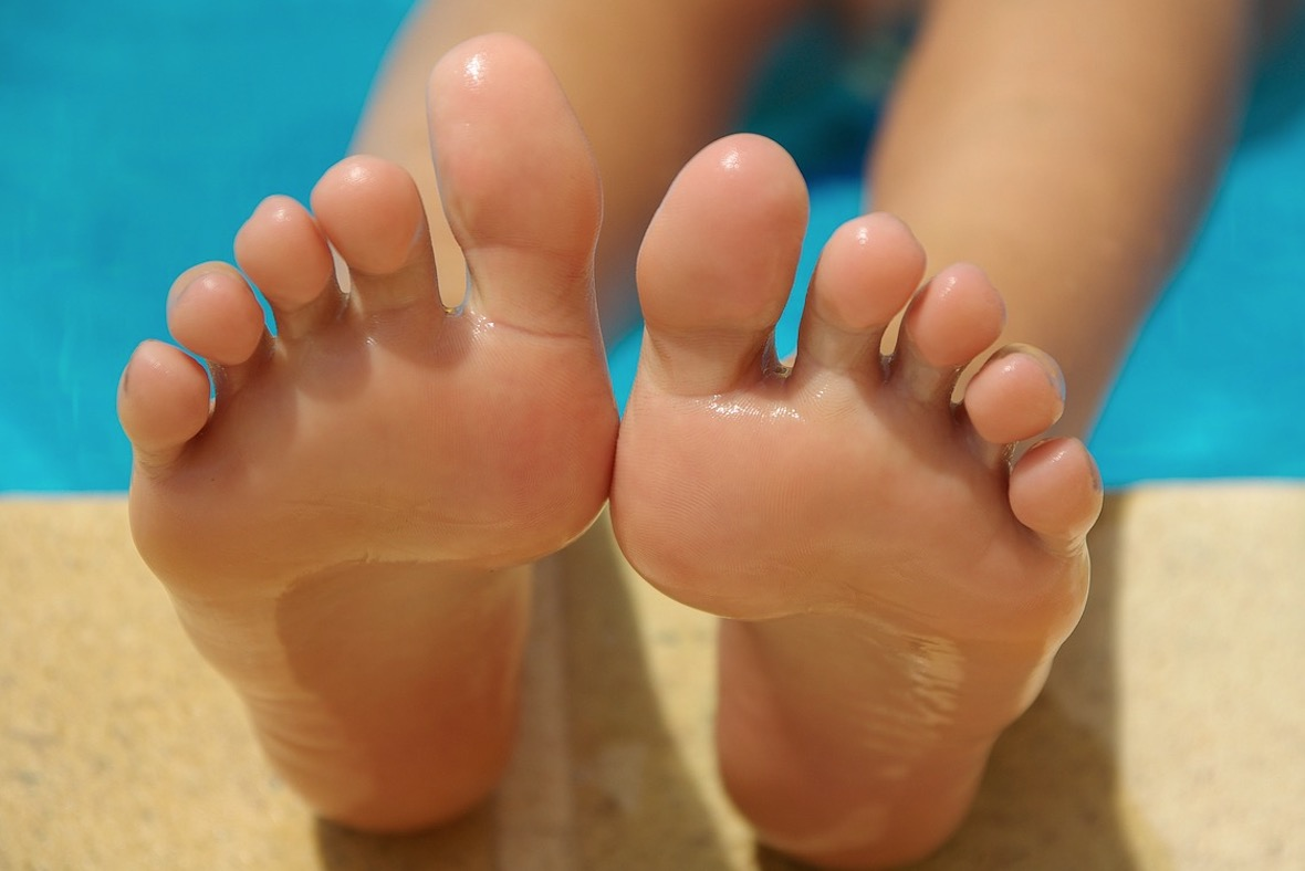 Swollen Feet Home Remedies For Diabetes Pregnancy More The Whoot